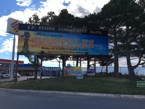 portales-welcome-sign